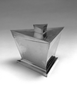 Elsa Tennhardt (American, born Germany, 1899-1980). <em>Ice Bucket, Part of Five-piece Set</em>, Patented 1928. Silver-plated brass, brass, 6 x 8 1/4 x 7 1/4 in. (15.2 x 21 x 18.4 cm). Brooklyn Museum, Designated Purchase Fund, 85.213.2a-b. Creative Commons-BY (Photo: Brooklyn Museum, 85.213.2a-b_bw.jpg)
