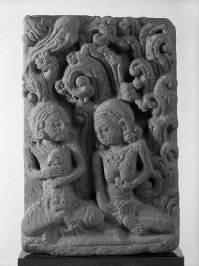 Majapahit. <em>Mythological Scene</em>, 13th-14th century. Red terracotta panel, hand-modeled, 12 3/4 x 8 1/2 in. (32.4 x 21.6 cm). Brooklyn Museum, Gift of Dr. and Mrs. Robert S. Walzer, 85.222. Creative Commons-BY (Photo: Brooklyn Museum, 85.222_bw.jpg)