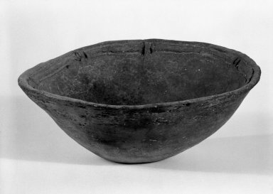 Taino. <em>Bowl</em>, 1000-1500 C.E. Terra cotta, 2 3/4 x 7 x 7 in. (7 x 17.8 x 17.8 cm). Brooklyn Museum, Gift of Mr. and Mrs. Vincent Fay, 85.261.17. Creative Commons-BY (Photo: Brooklyn Museum, 85.261.17_bw.jpg)