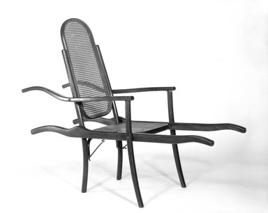 D.G. Fischel & Sons. <em>Invalid's Chair</em>, ca. 1890. Steam-bent beechwood, 46 x 22 1/2 x 58 in. (116.8 x 57.2 x 147.3 cm). Brooklyn Museum, Gift of Dr. Barry R. Harwood, 85.269. Creative Commons-BY (Photo: Brooklyn Museum, 85.269_bw.jpg)