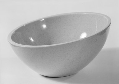 Red Wing Pottery (active 1936-1967). <em>Bowl</em>, designed ca. 1945; produced ca. 1946. Glazed earthenware, 2 7/8 x 5 7/8 in. (7.3 x 14.9 cm). Brooklyn Museum, Gift of Eva Zeisel, 85.75.17. Creative Commons-BY (Photo: Brooklyn Museum, 85.75.17_bw.jpg)