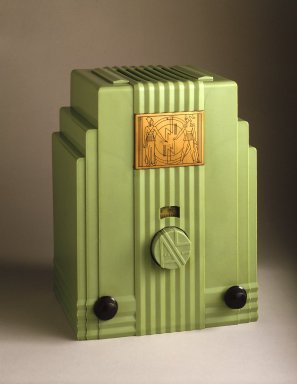 John Gordon Rideout (American, 1898-1951). <em>Radio</em>, 1930-1933. Plaskon (plastic), metal, glass, 11 3/4 x 8 7/8 x 7 1/2 in.  (29.8 x 22.5 x 19.1 cm). Brooklyn Museum, Purchased with funds given by The Walter Foundation, 85.9. Creative Commons-BY (Photo: Brooklyn Museum, 85.9_SL1.jpg)