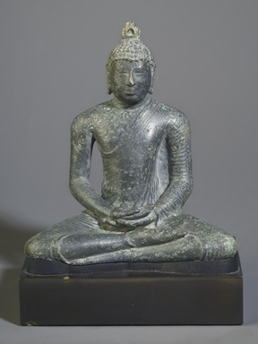 <em>Seated Buddha</em>, 7th-8th century. Bronze, 4 3/4 x 4 3/8 x 2 3/4 in. (12.1 x 11.1 x 7 cm). Brooklyn Museum, Gift of Georgia and Michael de Havenon, 86.183.5. Creative Commons-BY (Photo: Brooklyn Museum, 86.135.5_front_PS4.jpg)