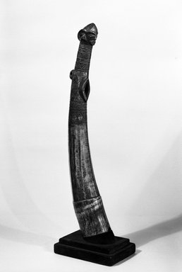 Pende. <em>Horn</em>, 19th or 20th century. Ivory, 19 3/4 x 3 in. (50.2 x 7.6 cm). Brooklyn Museum, Gift of the Ernest Erickson Foundation, Inc., 86.224.145. Creative Commons-BY (Photo: Brooklyn Museum, 86.224.145_view1_bw.jpg)