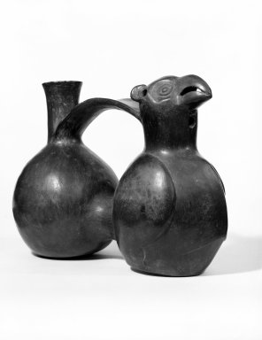 Chimú. <em>Double-chambered Whistling Bottle with Bird</em>, ca. 1100-1400. Ceramic, 6 1/8 x 8 1/4 x 3 3/4 in. (15.6 x 21 x 9.5 cm). Brooklyn Museum, Gift of the Ernest Erickson Foundation, Inc., 86.224.149. Creative Commons-BY (Photo: Brooklyn Museum, 86.224.149_bw.jpg)