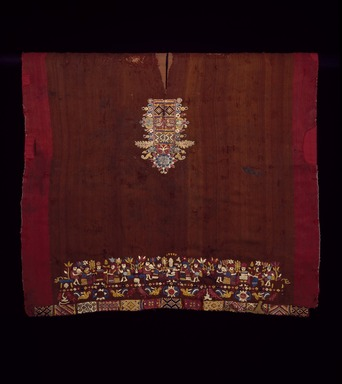 <em>Tunic (Uncu)</em>, ca. 17th century. Camelid fiber, silk, metallic thread, 26 3/4 x 31 in. (67.9 x 78.7 cm). Brooklyn Museum, Gift of the Ernest Erickson Foundation, Inc., 86.224.51. Creative Commons-BY (Photo: Brooklyn Museum, 86.224.51_side1_SL3.jpg)