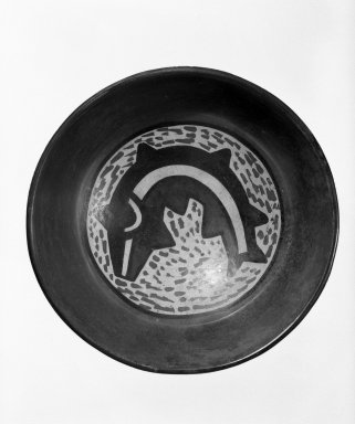 Nazca. <em>Bowl</em>, 200-700 C.E. Ceramic, bichrome slip, 5/8 x 5 9/16 in. (1.6 x 14.1 cm). Brooklyn Museum, Gift of the Ernest Erickson Foundation, Inc., 86.224.52. Creative Commons-BY (Photo: Brooklyn Museum, 86.224.52_bw.jpg)