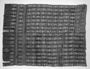 Chimú. <em>Loincloth Fragment</em>, 1000-1400. Cotton, camelid fiber, 43 5/16 x 25 3/8in. (110 x 64.5cm). Brooklyn Museum, Gift of the Ernest Erickson Foundation, Inc., 86.224.68. Creative Commons-BY (Photo: Brooklyn Museum, 86.224.68_bw_acetate.jpg)