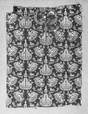 <em>Textile Fragment with Ship Pattern</em>, first quarter 17th century. Silk and silver, 9 1/2 x 7 in. Brooklyn Museum, Gift of the Ernest Erickson Foundation, Inc., 86.227.106. Creative Commons-BY (Photo: Brooklyn Museum, 86.227.106_acetate_bw.jpg)