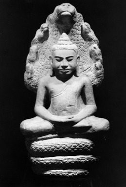 <em>Buddha Sheltered by Mucalinda</em>, 12th century. Gray sandstone, 20 1/2 x 9 7/8 x 7 1/16 in. (52.1 x 25.1 x 18 cm). Brooklyn Museum, Gift of the Ernest Erickson Foundation, Inc., 86.227.37. Creative Commons-BY (Photo: Brooklyn Museum, 86.227.37_bw.jpg)