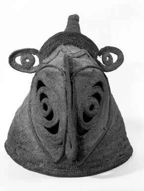 Abelam. <em>Mask</em>. Woven straw, pigment, height: 16 in. (40.6 cm). Brooklyn Museum, Gift of Evelyn A. J. Hall and John A. Friede, 86.229.19. Creative Commons-BY (Photo: Brooklyn Museum, 86.229.19_bw.jpg)