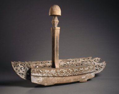 <em>Grave Marker</em>, 20th century. Wood, pigment, lime, 35 1/2 x 48 x 8 1/2 in. (90.2 x 121.9 x 21.6 cm). Brooklyn Museum, Gift of Dr. Martin and Suzanne Schulman, 86.230.3a-b. Creative Commons-BY (Photo: Brooklyn Museum, 86.230.3a-b_SL1.jpg)