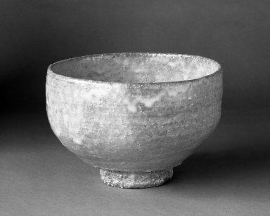 Nakamura Shinichi (Japanese). <em>Tea Bowl</em>, ca. 1980. Hagi ware, 3 1/2 x 5 1/2 in. (8.9 x 14 cm). Brooklyn Museum, Gift of Dr. and Mrs. John P. Lyden, 86.271.54. Creative Commons-BY (Photo: Brooklyn Museum, 86.271.54_bw.jpg)