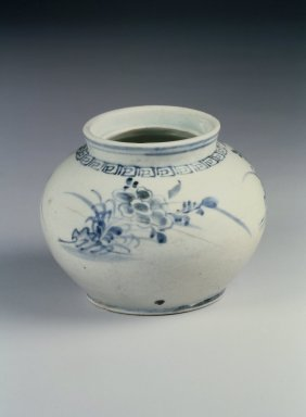 <em>Jar</em>, early 20th century. Porcelain, glaze, Height: 3 7/8 in. (9.8 cm). Brooklyn Museum, Gift of Dr. and Mrs. John P. Lyden, 86.271.57. Creative Commons-BY (Photo: Brooklyn Museum, 86.271.57.jpg)