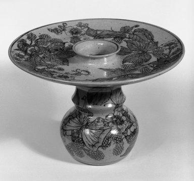 Ikuta Susumu (Japanese, born 1934). <em>Flower-Arranging Vessel (Kaki)</em>, 1978. Light gray stoneware, 7 1/8 x 11 3/4 in. (18.1 x 29.8 cm). Brooklyn Museum, Gift of Dr. and Mrs. Frederick Baekeland, 87.126.2. Creative Commons-BY (Photo: Brooklyn Museum, 87.126.2_bw.jpg)