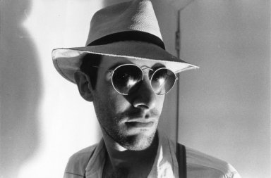 Nat Finkelstein (American, 1933-2009). <em>Scratchy Myers, N.Y.C.</em>, 1985. Gelatin silver photograph, image: 15 x 22 3/4 in. (38.1 x 57.8 cm). Brooklyn Museum, Gift of the son of Abe and Esther Finkelstein, a Brooklyn cab driver and his wife, 87.150.8. © artist or artist's estate (Photo: Brooklyn Museum, 87.150.8.jpg)