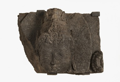 <em>Head of a Deity</em>, 9th-10th century. Volcanic stone, 9 1/2 × 13 × 11 1/2 in. (24.1 × 33 × 29.2 cm). Brooklyn Museum, Gift of Georgia and Michael de Havenon, 87.188.10. Creative Commons-BY (Photo: Brooklyn Museum, 87.188.10_PS11.jpg)