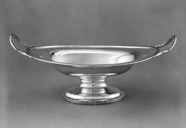 <em>Cake Basket</em>, 1851-1876. Silver, 5 1/2 x 14 1/4 x 8 3/4 in.  (14 x 36.2 x 22.2 cm). Brooklyn Museum, Gift of Wunsch Foundation, Inc., 87.224.3. Creative Commons-BY (Photo: Brooklyn Museum, 87.224.3_bw.jpg)