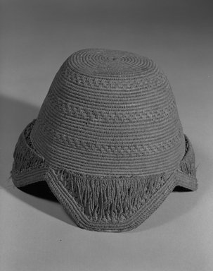 Kuba. <em>Hat (Laket)</em>, 20th century. Raffia, height: 4 1/2 (11.4 cm);. Brooklyn Museum, Gift of Drs. John I. and Nicole Dintenfass, 88.188.1. Creative Commons-BY (Photo: Brooklyn Museum, 88.188.1_bw.jpg)