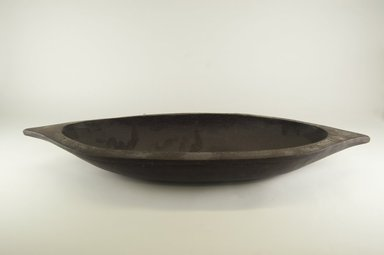 <em>Food Bowl</em>. Wood, 9 5/8 x 28 3/8 in. (24.5 x 72 cm). Brooklyn Museum, Brooklyn Museum Collection, 00.106. Creative Commons-BY (Photo: Brooklyn Museum, CUR.00.106_top_PS5.jpg)