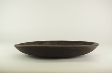 <em>Food Bowl</em>. Wood, lime, 2 3/4 x 4 3/4 x 16 9/16 in. (7 x 12 x 42 cm). Brooklyn Museum, Brooklyn Museum Collection, 00.133. Creative Commons-BY (Photo: Brooklyn Museum, CUR.00.133_side_PS5.jpg)