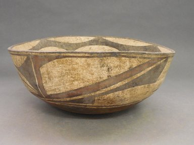 She-we-na (Zuni Pueblo). <em>Bowl</em>. Clay, slip, 5 1/4 x 12 in (13.3 x 30.5 cm). Brooklyn Museum, By exchange, 01.1535.2181. Creative Commons-BY (Photo: Brooklyn Museum, CUR.01.1535.2181_view1.jpg)