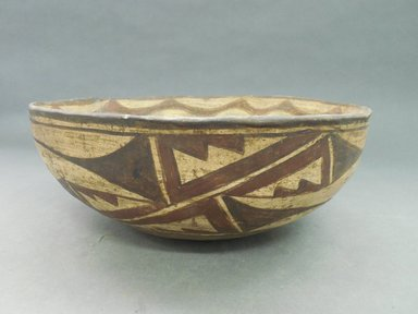 She-we-na (Zuni Pueblo). <em>Decorated Bowl</em>. Clay, slip, 4 1/4 x 10 3/4 in (10.8 x 27.3 cm). Brooklyn Museum, By exchange, 01.1535.2184. Creative Commons-BY (Photo: Brooklyn Museum, CUR.01.1535.2184_view1.jpg)
