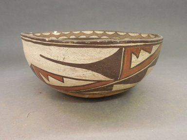 She-we-na (Zuni Pueblo). <em>Bowl</em>. Clay, slip, 3 15/16 x 8 7/8 in (10 x 22.5 cm). Brooklyn Museum, By exchange, 01.1535.2186. Creative Commons-BY (Photo: Brooklyn Museum, CUR.01.1535.2186_view1.jpg)