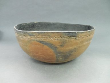 Ancient Pueblo (Anasazi). <em>Bowl</em>, 700-1050 C.E. Clay, 5 x 11 1/8 in.  (12.7 x 28.3 cm). Brooklyn Museum, Gift of Charles A. Schieren, 01.1538.1821. Creative Commons-BY (Photo: Brooklyn Museum, CUR.01.1538.1821.jpg)