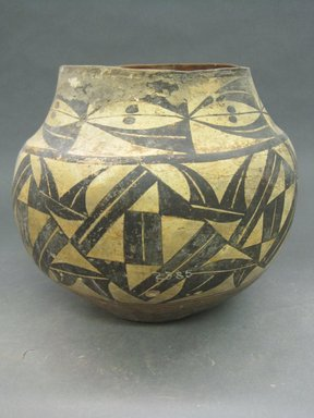 Pueblo, Keres. <em>Jar</em>. Clay, slip, 9 1/8 x 6 3/8 in (23.2 x 16.2 cm). Brooklyn Museum, Riggs Pueblo Pottery Fund, 02.257.2385. Creative Commons-BY (Photo: Brooklyn Museum, CUR.02.257.2385.jpg)