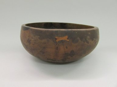 Hawaiian. <em>Bowl ('Umeke)</em>, before 1902. Wood, 3 3/8 x 7 3/8 in (8.5 x 18.7 cm). Brooklyn Museum, Gift of George C. Brackett and Robert B. Woodward, 02.258.2628. Creative Commons-BY (Photo: Brooklyn Museum, CUR.02.258.2628.jpg)