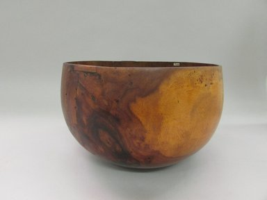 Hawaiian. <em>Two Bowls ('Umeke)</em>, before 1902. Wood, 6 11/16 x 9 1/4in. (17 x 23.5cm). Brooklyn Museum, Gift of George C. Brackett and Robert B. Woodward, 02.258.2630a-b. Creative Commons-BY (Photo: Brooklyn Museum, CUR.02.258.2630a-b.jpg)