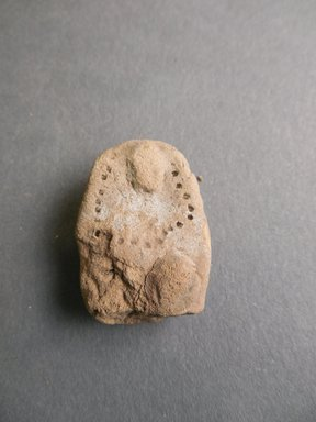 Pueblo (unidentified). <em>Unfired Clay Fragment</em>, 700 B.C.E.-700 C.E., Basketmaker II-III (probably). Clay, 1 1/4 x 1 in. (3.2 x 2.5 cm). Brooklyn Museum, Museum Expedition 1903, Purchased with funds given by A. Augustus Healy and George Foster Peabody, 03.325.12293. Creative Commons-BY (Photo: Brooklyn Museum, CUR.03.325.12293.jpg)