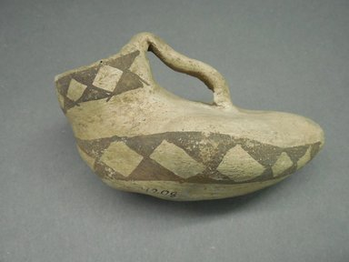 Ancient Pueblo (Anasazi). <em>Pitcher in the Shape of a Bird</em>, 900-1100 (probably). Clay, slip, 5 x 3 in. (12.7 x 7.6 cm). Brooklyn Museum, Museum Expedition 1903, Museum Collection Fund, 03.325.4208. Creative Commons-BY (Photo: Brooklyn Museum, CUR.03.325.4208.jpg)
