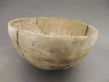 Ancient Pueblo (Anasazi). <em>Bowl</em>, 900-1100 (probably). Clay, 4 7/8 x 9 in (12.4 x 22.9 cm). Brooklyn Museum, Museum Expedition 1903, Museum Collection Fund, 03.325.4252. Creative Commons-BY (Photo: Brooklyn Museum, CUR.03.325.4252_view1.jpg)