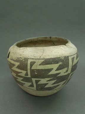 Ancient Pueblo (Anasazi). <em>Jar</em>. Clay, 6 x 7 in. (15.2 x 17.8 cm) . Brooklyn Museum, Museum Expedition 1903, Museum Collection Fund, 03.325.4278. Creative Commons-BY (Photo: Brooklyn Museum, CUR.03.325.4278.jpg)