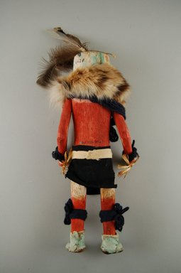 She-we-na (Zuni Pueblo). <em>Kachina Doll (Muhahaa)</em>, late 19th century. Feathers, fur, yarn, hide, reed, wood, cloth, (32.0 x 30.3 cm). Brooklyn Museum, Museum Expedition 1903, Museum Collection Fund, 03.325.4621. Creative Commons-BY (Photo: Brooklyn Museum, CUR.03.325.4621_back.jpg)
