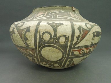 She-we-na (Zuni Pueblo). <em>Polychrome Jar (Tai-lai)</em>. Clay, pigment, 10 x 15 1/4 in. (27.0 x 38.5 cm). Brooklyn Museum, Museum Expedition 1904, Museum Collection Fund, 04.297.5256. Creative Commons-BY (Photo: Brooklyn Museum, CUR.04.297.5256_view1.jpg)