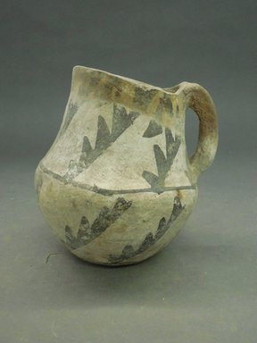 She-we-na (Zuni Pueblo). <em>Pitcher</em>. Clay, pigment, 5 3/4 x 5 3/8 in. (14.6 x 13.7 cm). Brooklyn Museum, Museum Expedition 1904, Museum Collection Fund, 04.297.5291. Creative Commons-BY (Photo: Brooklyn Museum, CUR.04.297.5291.jpg)