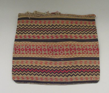 Hochunk (Native American). <em>Woven Friendship Bag</em>, late 19th century. Wool, 47.5 x 49.0 cm. Brooklyn Museum, Museum Expedition 1904, Museum Collection Fund, 04.297.6955. Creative Commons-BY (Photo: Brooklyn Museum, CUR.04.297.6955_view1.jpg)
