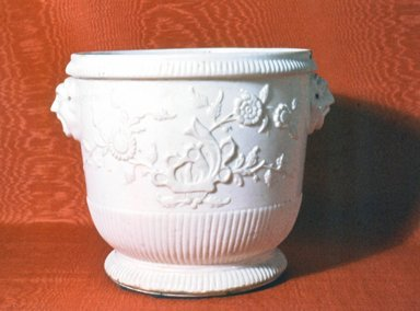 (attributed to) St. Cloud. <em>Jardiniere or Flower Pot</em>, ca. 1730. Porcelain, 7 5/8 x 8 in. (19.4 x 20.3 cm). Brooklyn Museum, Gift of Reverend Alfred Duane Pell, 04.298.6. Creative Commons-BY (Photo: Brooklyn Museum, CUR.04.298.6.jpg)