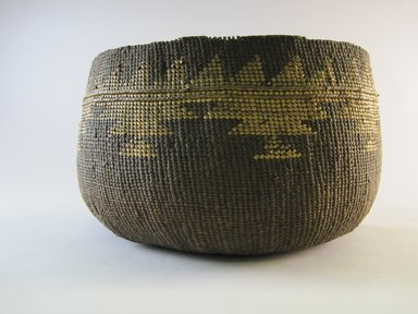 Hupa. <em>Boiling Basket</em>. Fiber, 6 1/8 × 10 1/2 × 10 1/2 in. (15.6 × 26.7 × 26.7 cm). Brooklyn Museum, Museum Expedition 1905, Museum Collection Fund, 05.588.7510. Creative Commons-BY (Photo: Brooklyn Museum, CUR.05.588.7510.jpg)