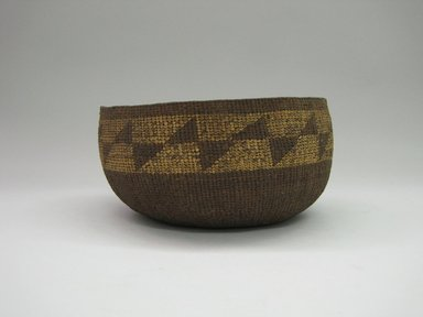 Yurok. <em>Basket Bowl</em>. Fiber, 3 11/16 × 7 5/8 × 7 3/4 in. (9.4 × 19.4 × 19.7 cm). Brooklyn Museum, Museum Expedition 1905, Museum Collection Fund, 05.588.7530. Creative Commons-BY (Photo: Brooklyn Museum, CUR.05.588.7530.jpg)