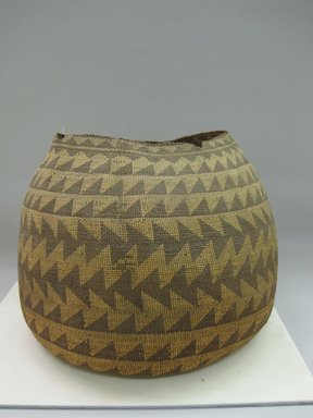 Possibly Yurok. <em>Storage Basket</em>. Fiber, 18 × 23 × 22 in. (45.7 × 58.4 × 55.9 cm). Brooklyn Museum, Museum Expedition 1905, Museum Collection Fund, 05.588.7637. Creative Commons-BY (Photo: Brooklyn Museum, CUR.05.588.7637.jpg)
