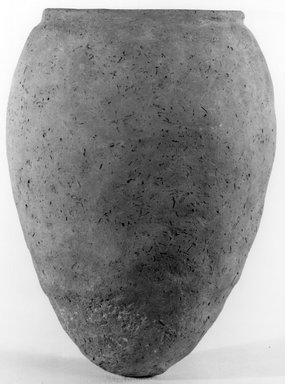 <em>Ovoid Jar</em>, ca. 3100-2675 B.C.E. Clay, 9 1/4 x Diam. 6 7/8 in. (23.5 x 17.4 cm). Brooklyn Museum, Charles Edwin Wilbour Fund, 07.447.1303. Creative Commons-BY (Photo: Brooklyn Museum, CUR.07.447.1303_NegA_print_bw.jpg)