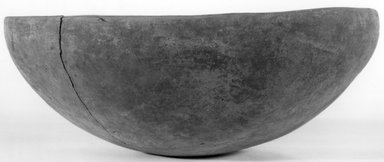 <em>Shallow Bowl</em>, ca. 3800-3500 B.C.E. Clay, 3 3/16 x Diam. 8 9/16 in. (8.1 x 21.8 cm). Brooklyn Museum, Charles Edwin Wilbour Fund, 07.447.1306. Creative Commons-BY (Photo: Brooklyn Museum, CUR.07.447.1306_NegA_print_bw.jpg)