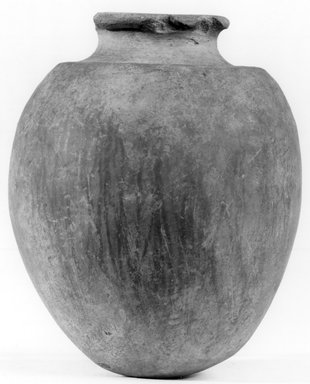 <em>Ovoid Jar</em>, ca. 3100-2675 B.C.E. Clay, 4 15/16 x Diam. 4 in. (12.5 x 10.2 cm). Brooklyn Museum, Charles Edwin Wilbour Fund, 07.447.1320. Creative Commons-BY (Photo: Brooklyn Museum, CUR.07.447.1320_NegA_print_bw.jpg)