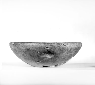 <em>Bowl</em>, ca. 3100-2675 B.C.E. Limestone, 2 15/16 x Diam. 8 3/4 in. (7.4 x 22.2 cm). Brooklyn Museum, Charles Edwin Wilbour Fund, 07.447.13. Creative Commons-BY (Photo: Brooklyn Museum, CUR.07.447.13_NegA_print_bw.jpg)