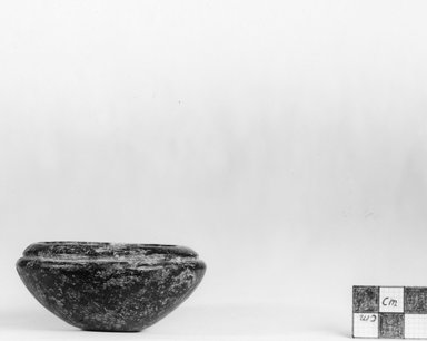 <em>Squat Bowl</em>, ca. 3100-2675 B.C.E. Serpentine or quartzite, 1 5/16 x Diam. 3 in. (3.4 x 7.6 cm). Brooklyn Museum, Charles Edwin Wilbour Fund, 07.447.191. Creative Commons-BY (Photo: Brooklyn Museum, CUR.07.447.191_negA_print.jpg)