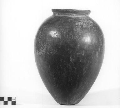 <em>Ovoid Jar</em>, ca. 3500-3300 B.C.E. Clay, 9 5/16 x Diam. 6 15/16 in. (23.7 x 17.7 cm). Brooklyn Museum, Charles Edwin Wilbour Fund, 07.447.340a. Creative Commons-BY (Photo: Brooklyn Museum, CUR.07.447.340_NegA_print_bw.jpg)